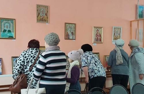«Святыни Православия». В Еткульском районе открылась выставка