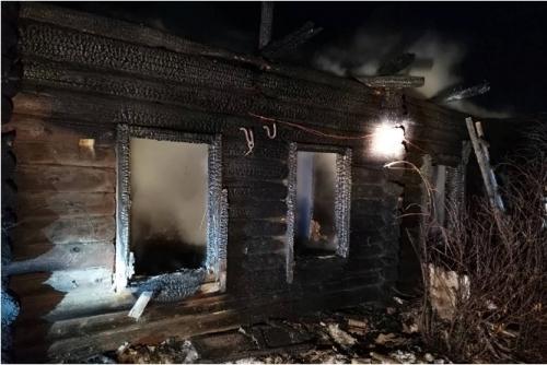 Два человека погибли в пожаре в селе Еткуль. Следственный комитет начал проверку